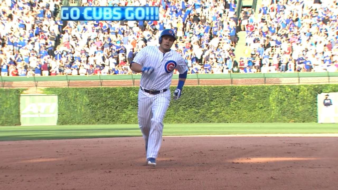 Cubs sink Braves behind back-to-back homers