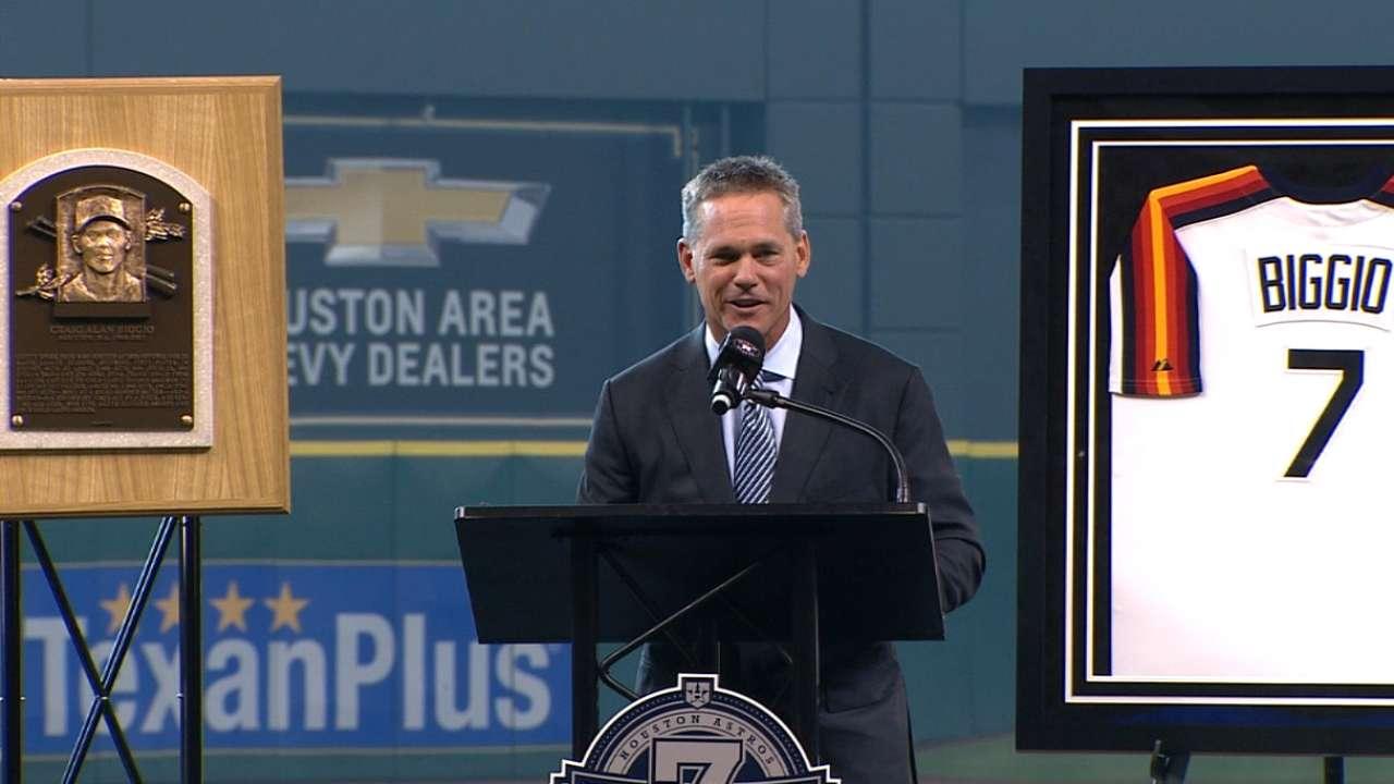 Biggio honored by Astros