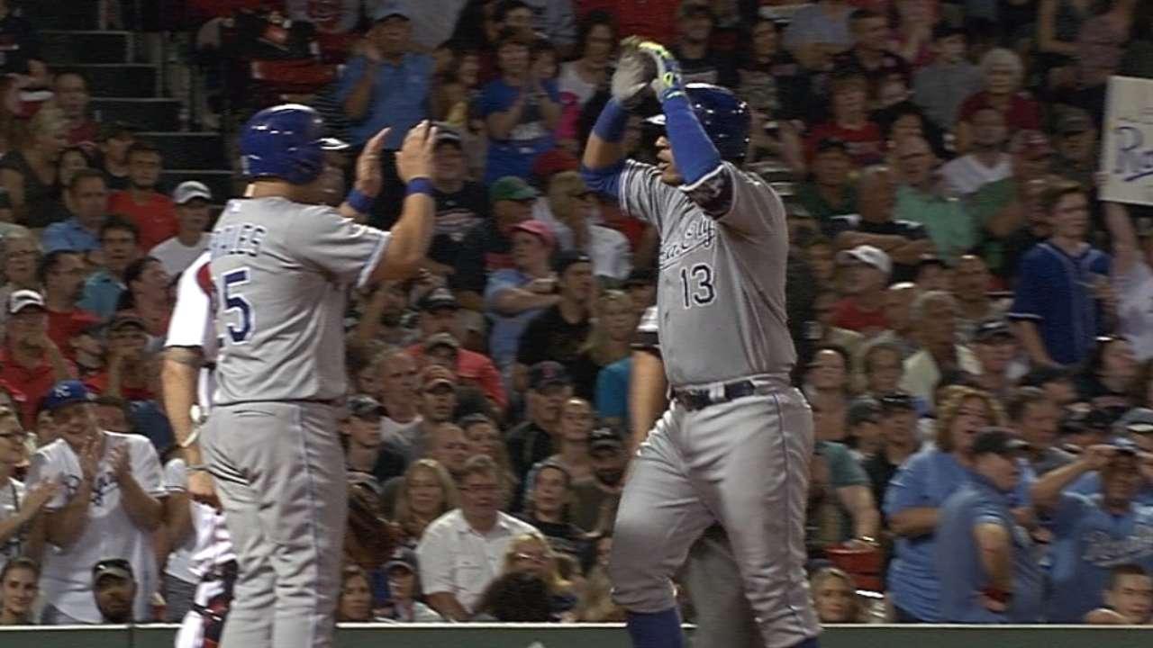 Perez, Ventura lift Royals past Red Sox