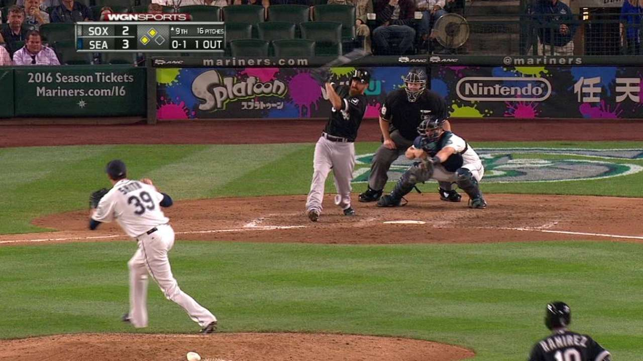White Sox rally late vs. Seattle's reeling 'pen