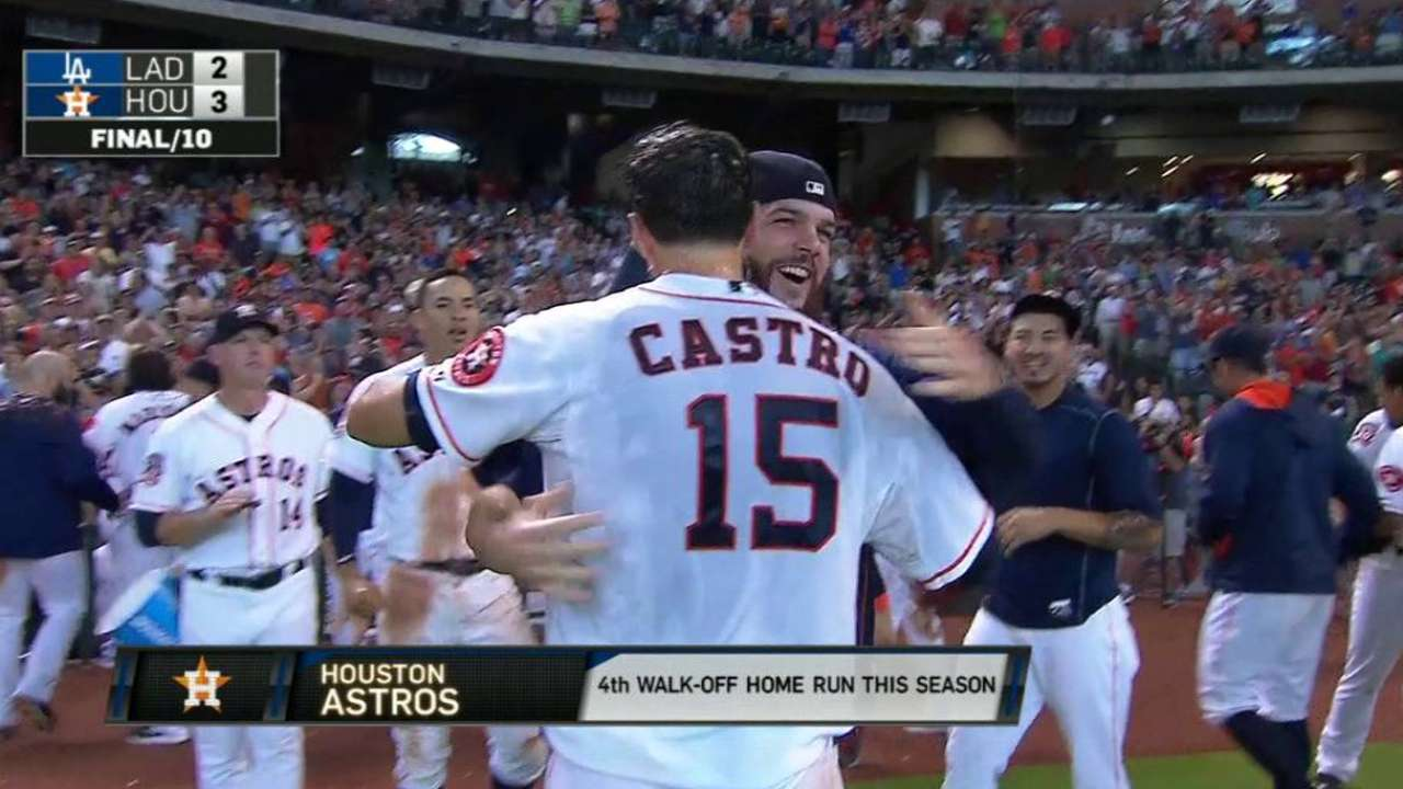Astros vencen a Dodgers con HR de Castro en la 10ma