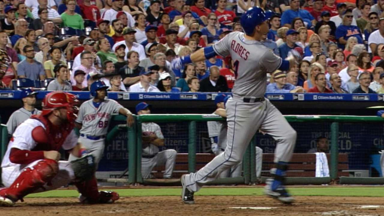 Flores' two homers