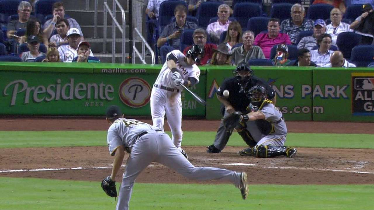 Yelich's knee holds up well in return