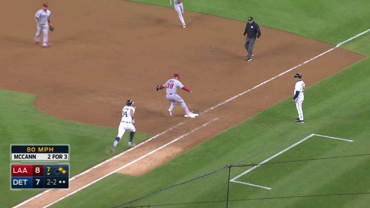 Pujols' diving play