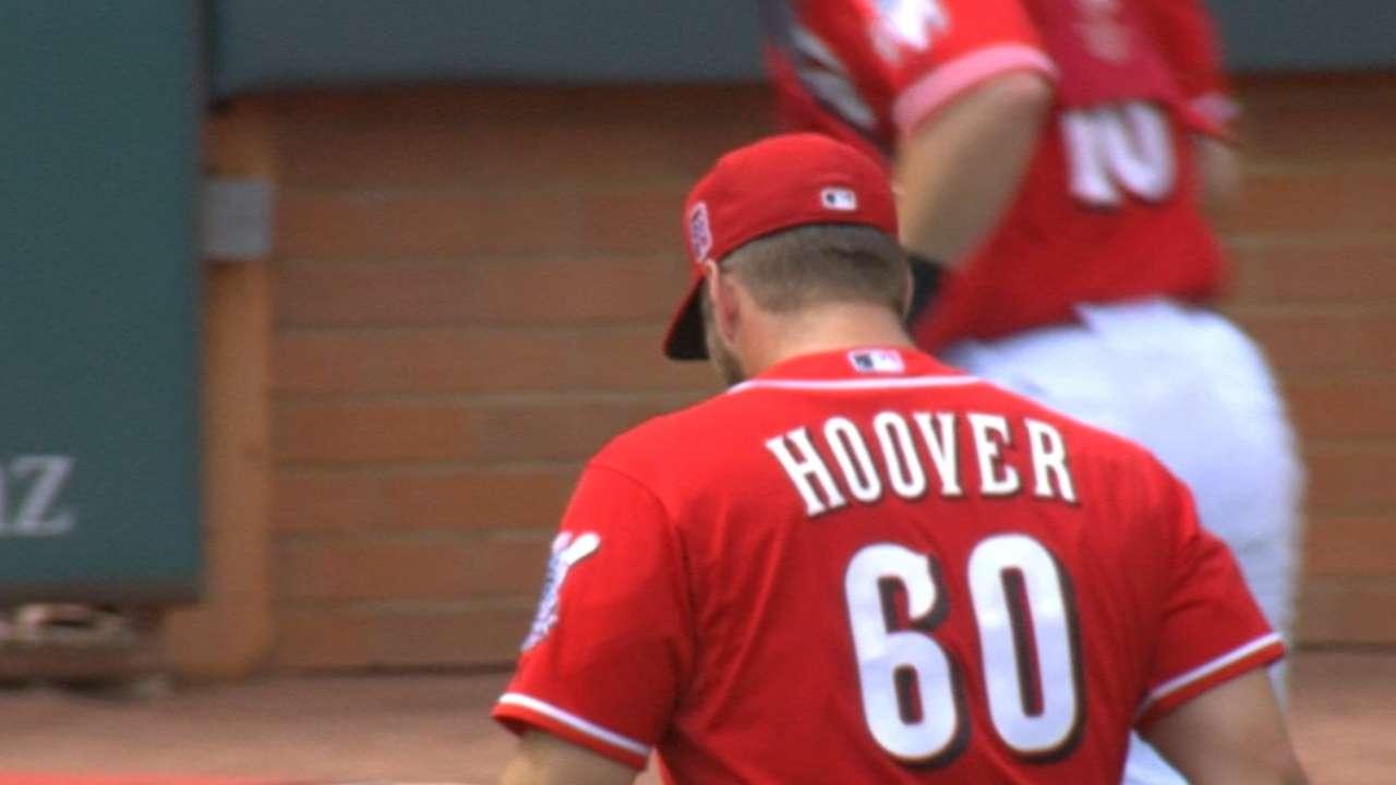 Hoover escapes bases-loaded jam
