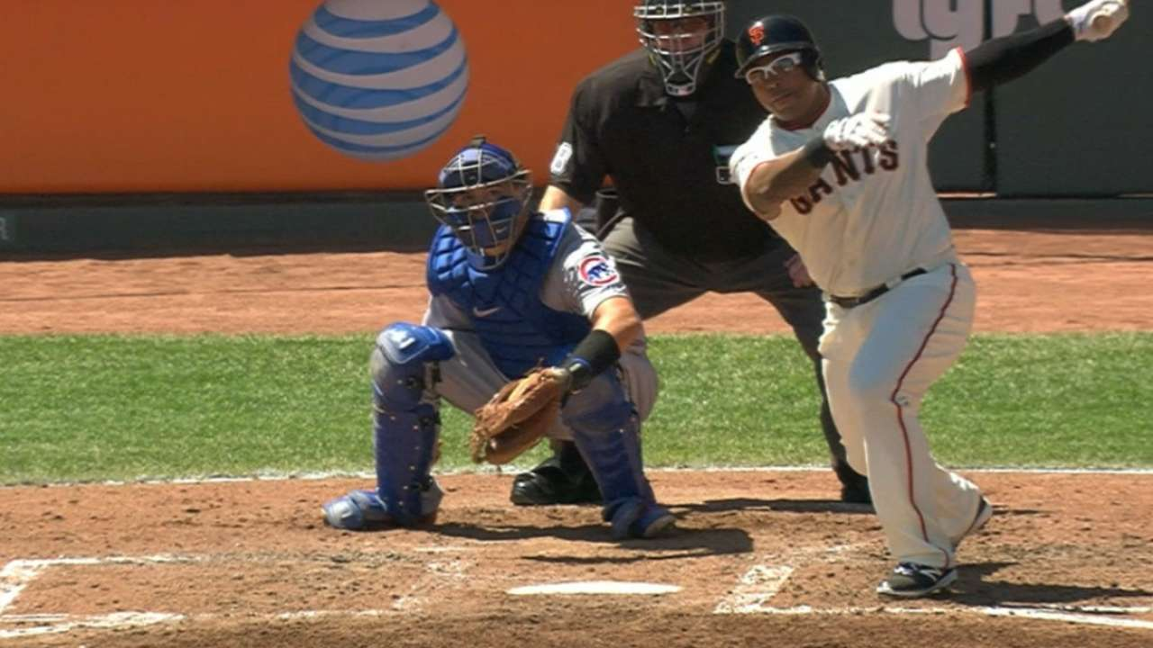 Giants rout Cubs for series win, gain ground