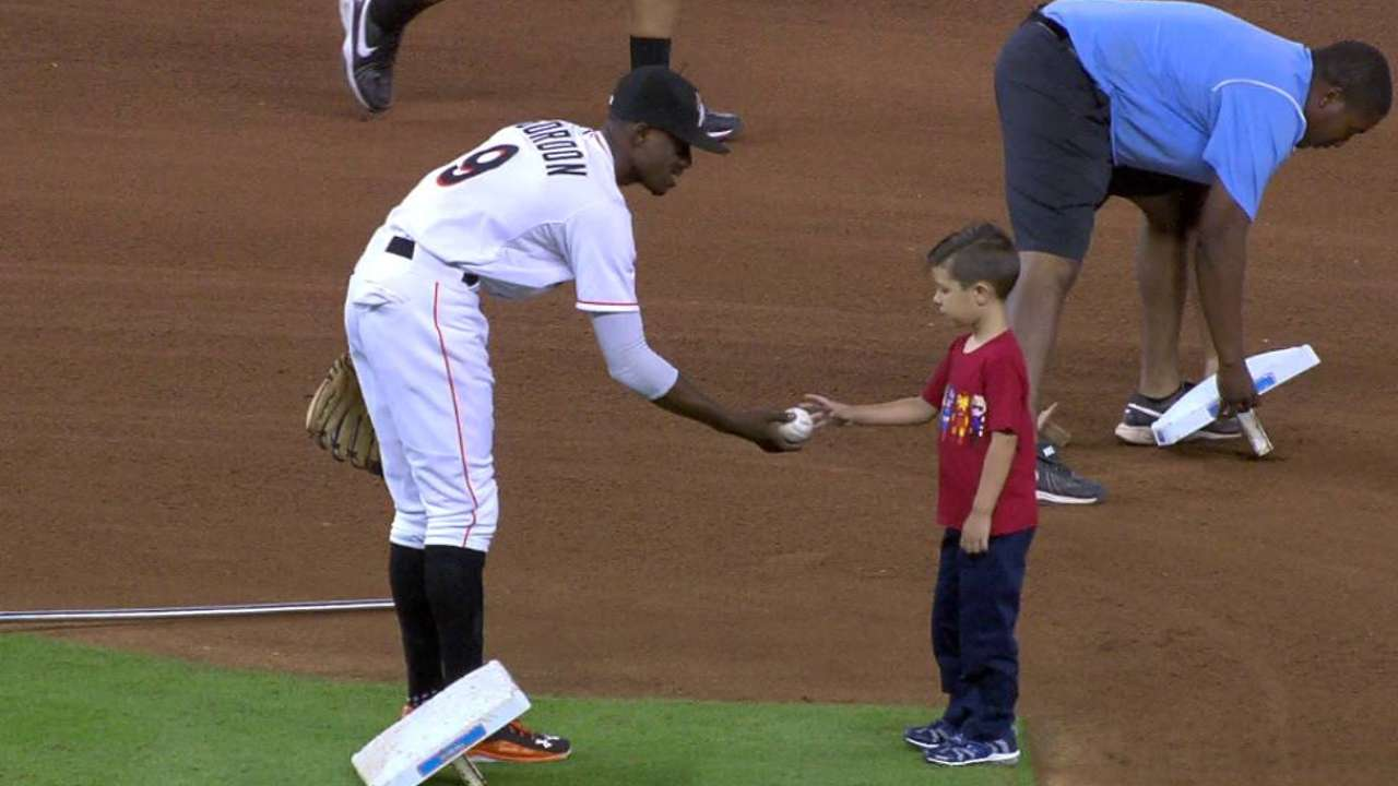 Gordon gives young fan a ball