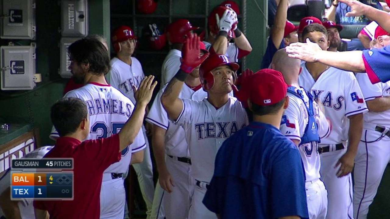 Texas holds steady in WC with win over O's