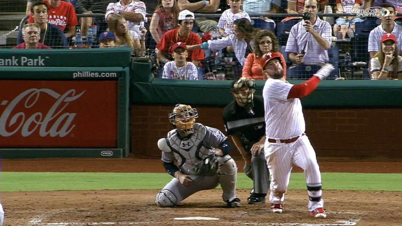 Phillies' five-run 8th
