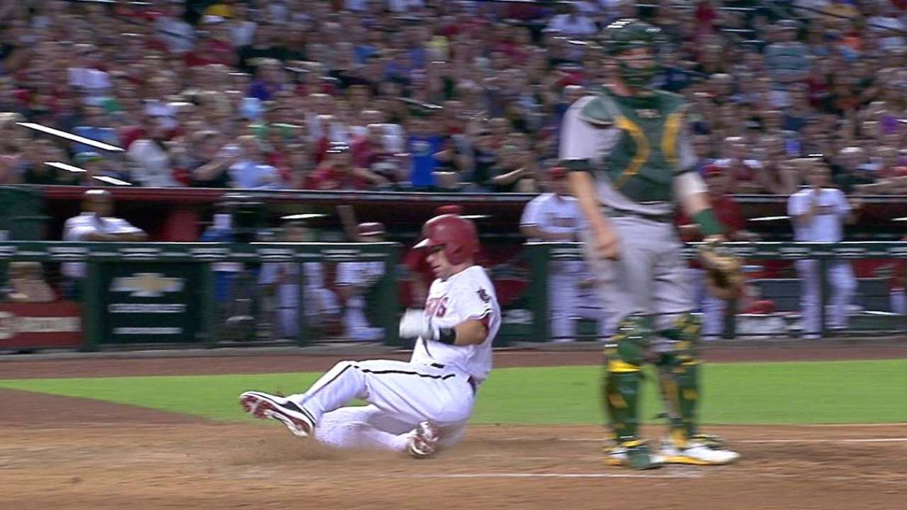 Goldy scores on sac fly