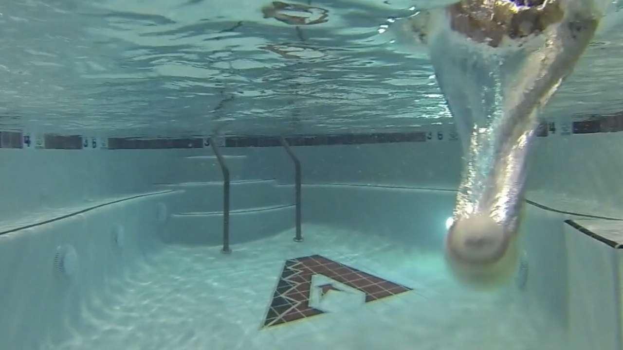 Vogt makes big splash as A's sink D-backs