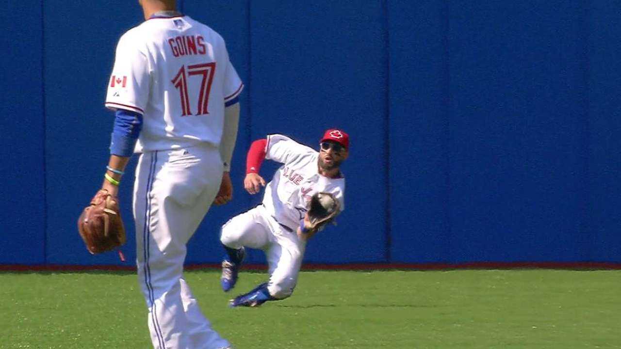 Pillar's sliding catch