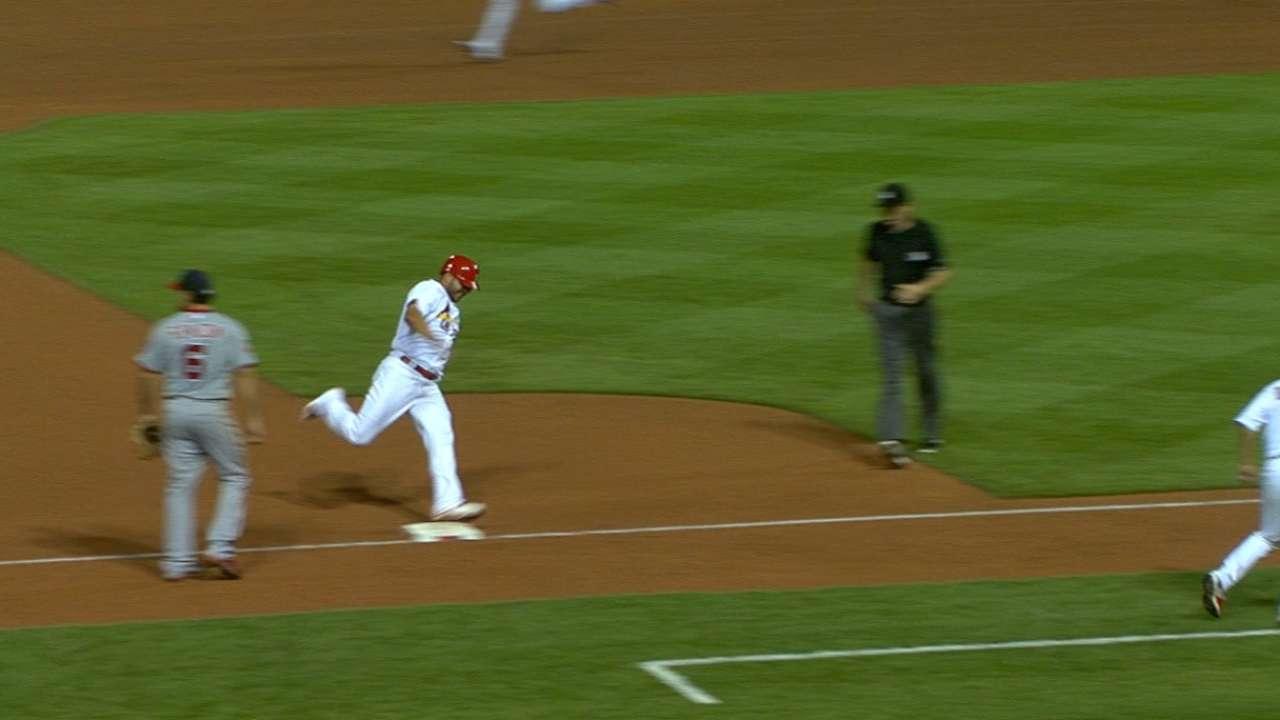 Cardinals score five runs in 7th