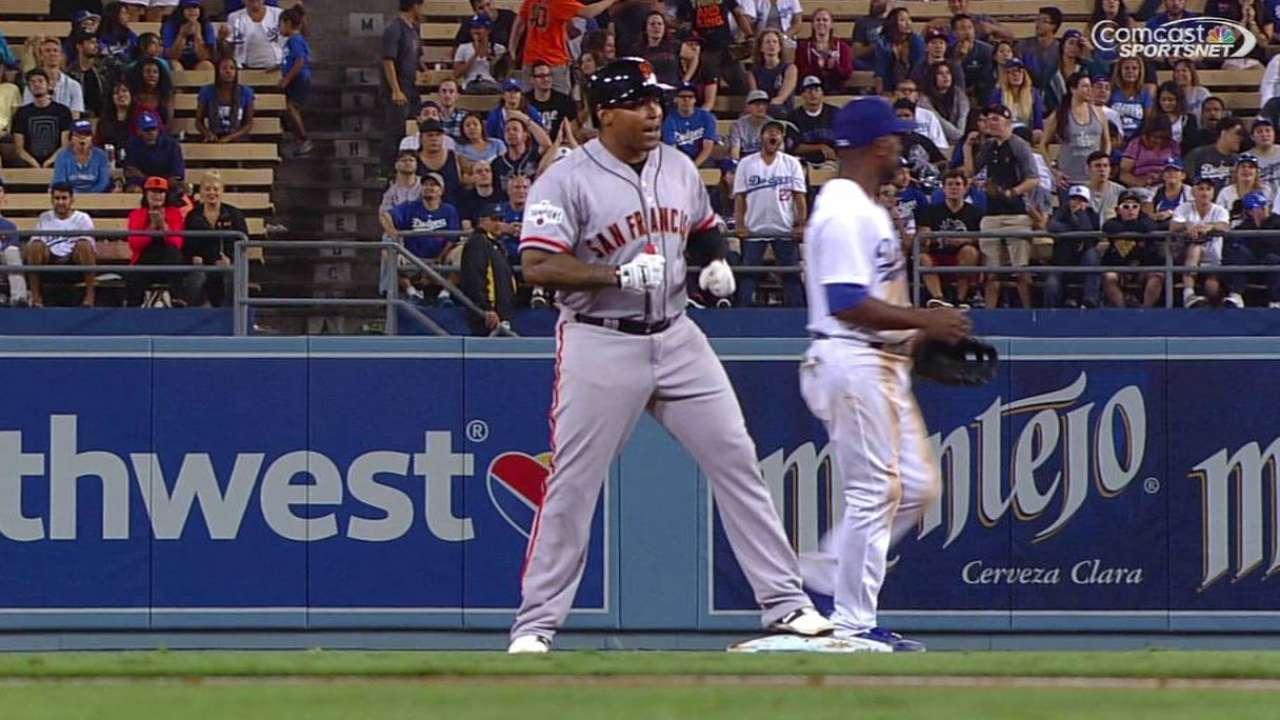 Giants fall in 14th on Gonzalez's walk-off hit