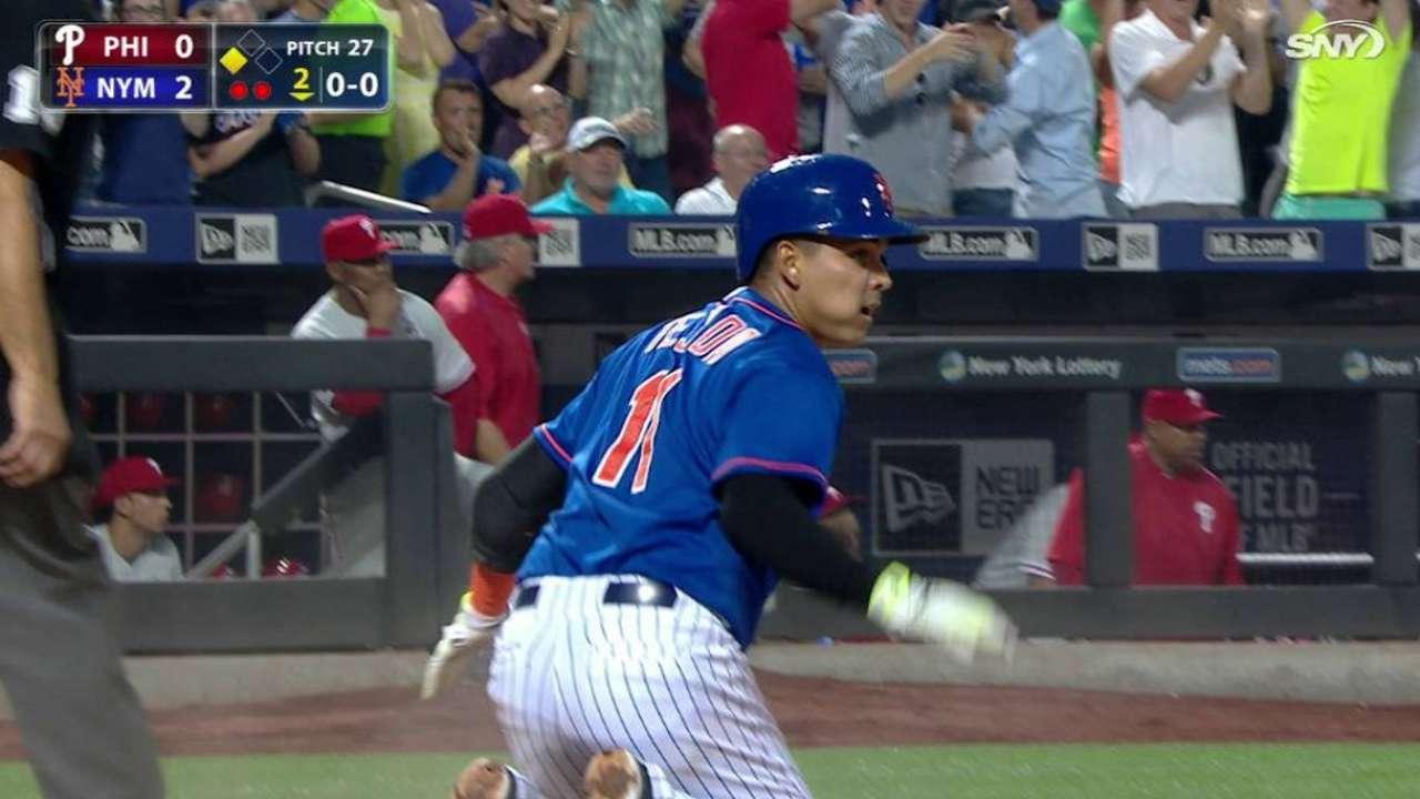 Tejada hits inside-the-park homer vs. Philly