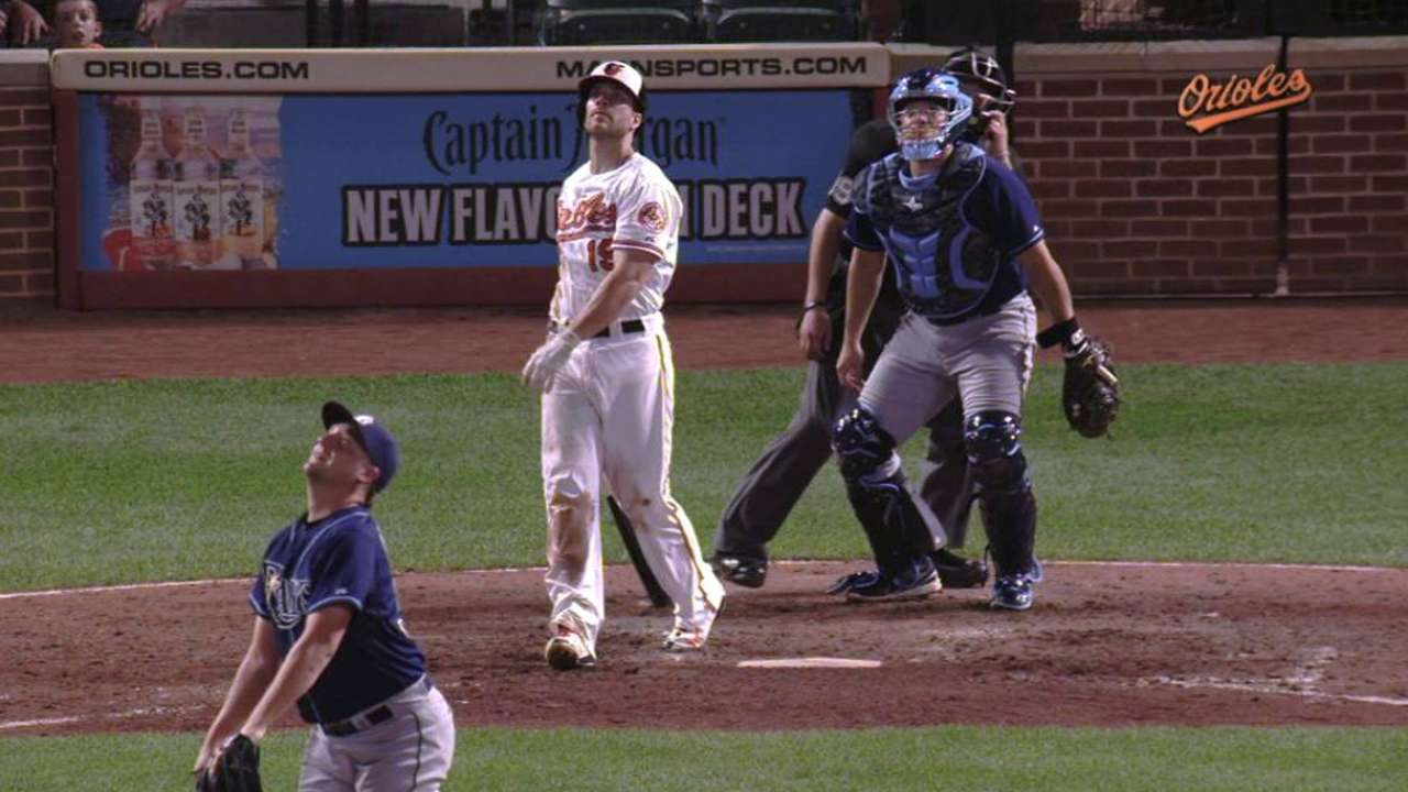 O's end 6-game slide on Davis' walk-off HR