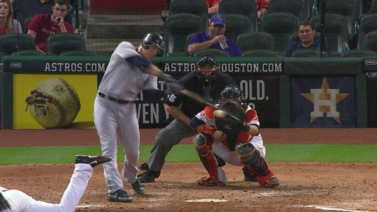 LoMo's three-run homer