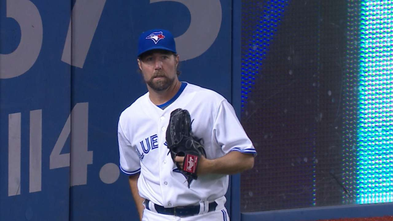 Blue Jays back Dickey's 4-hitter vs. Indians