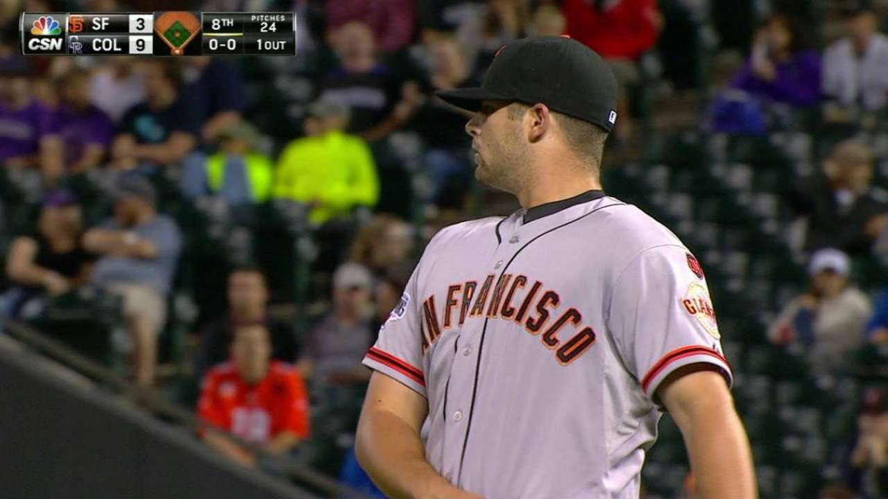 D-backs acquire righty reliever Hall from Giants
