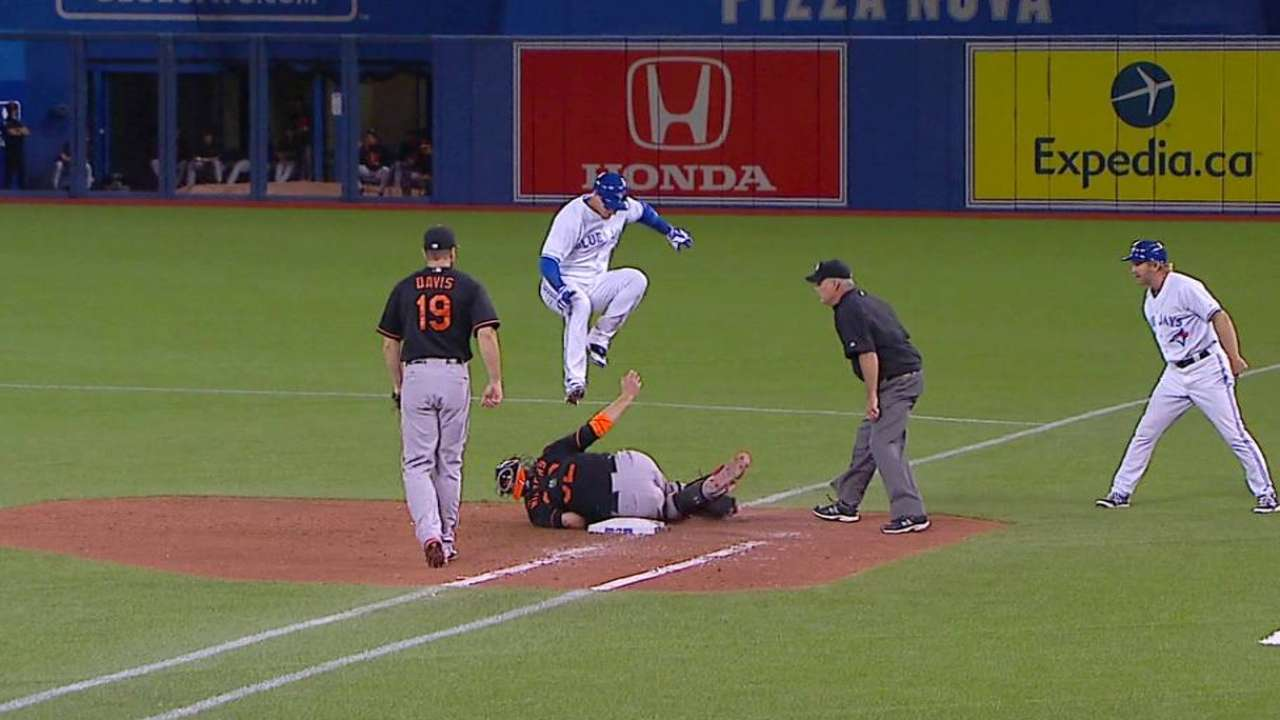 Tulo leaps to avoid tag