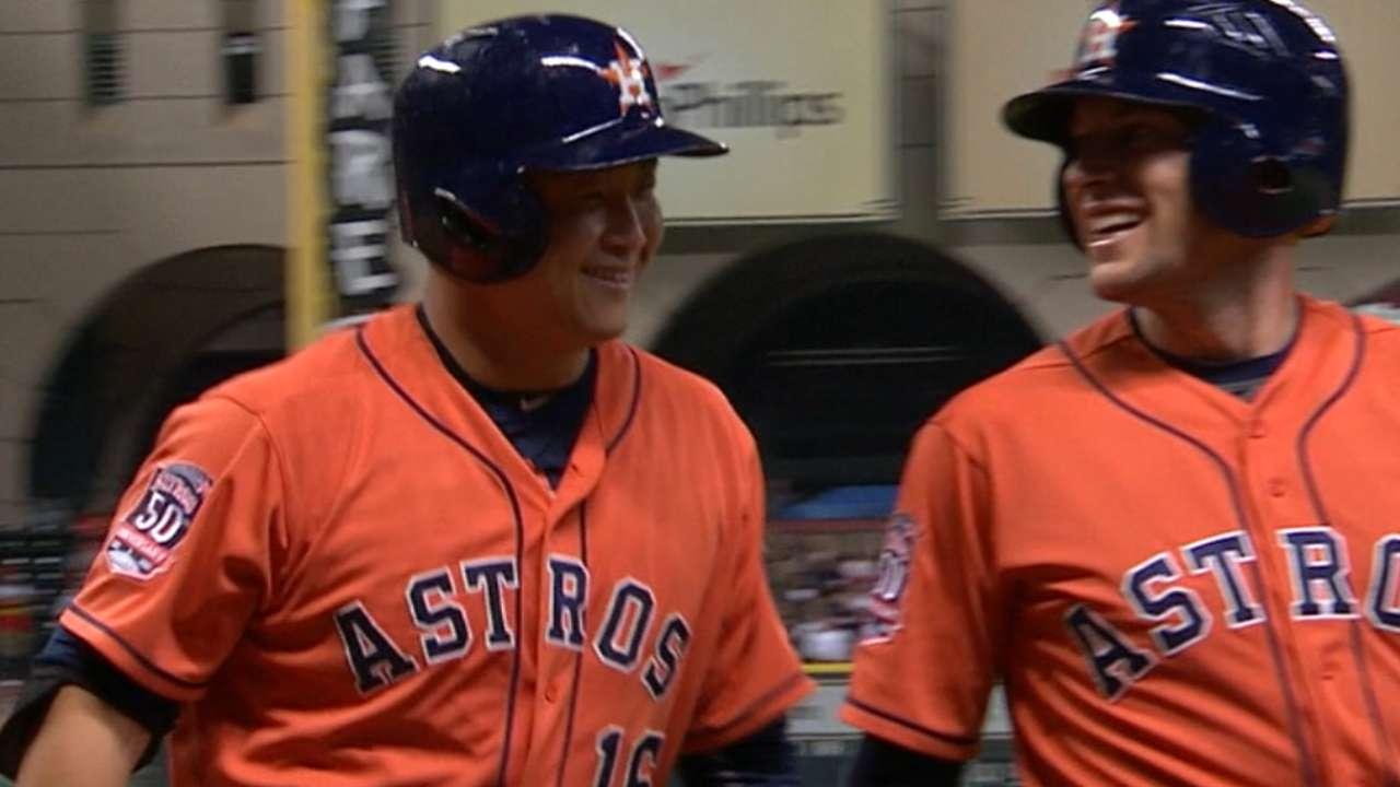 Conger conecta grand slam y Astros aplastan a Twins