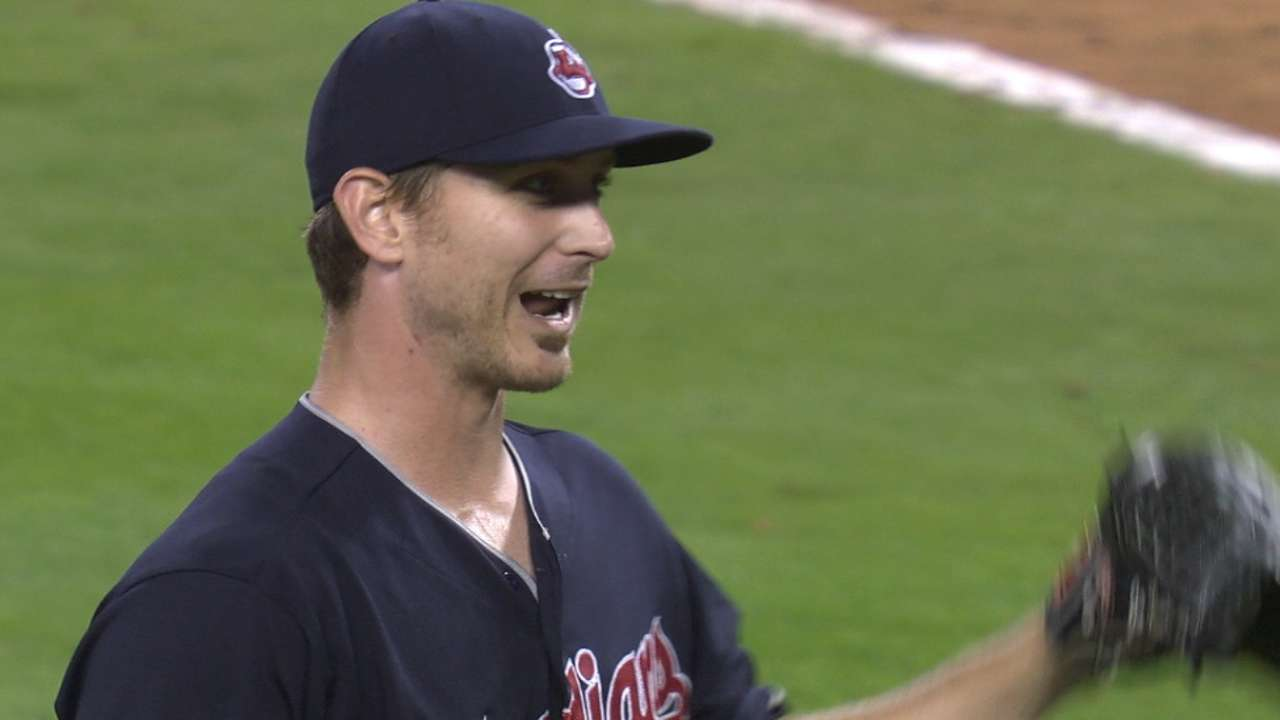 Indians continue surge behind Tomlin's 4-hitter