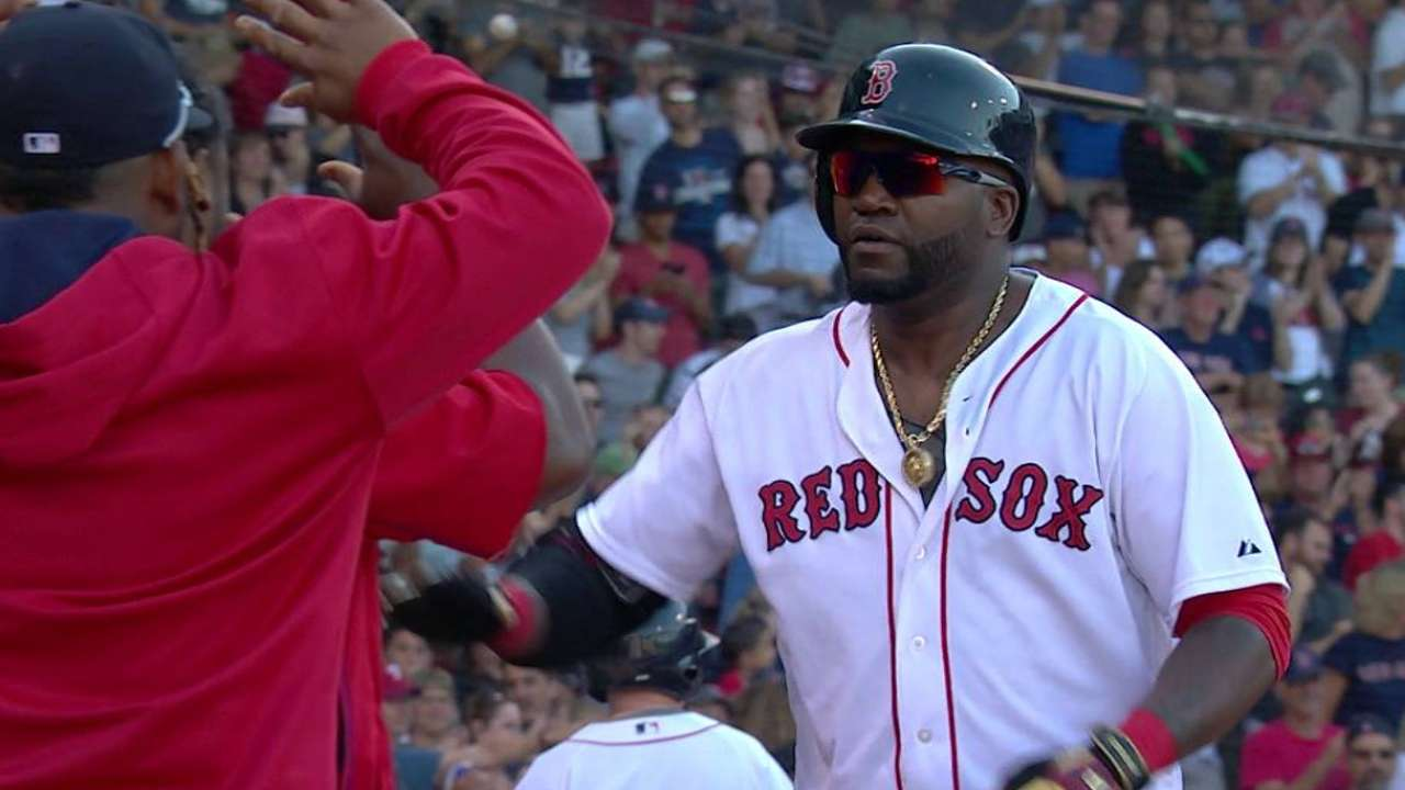 Ortiz hits homer No. 496