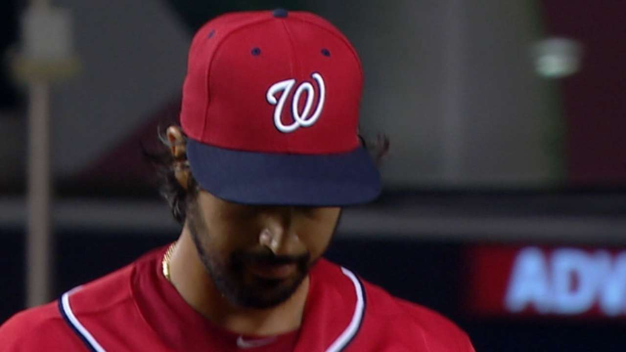 Nats roll past Braves to keep pace with Mets