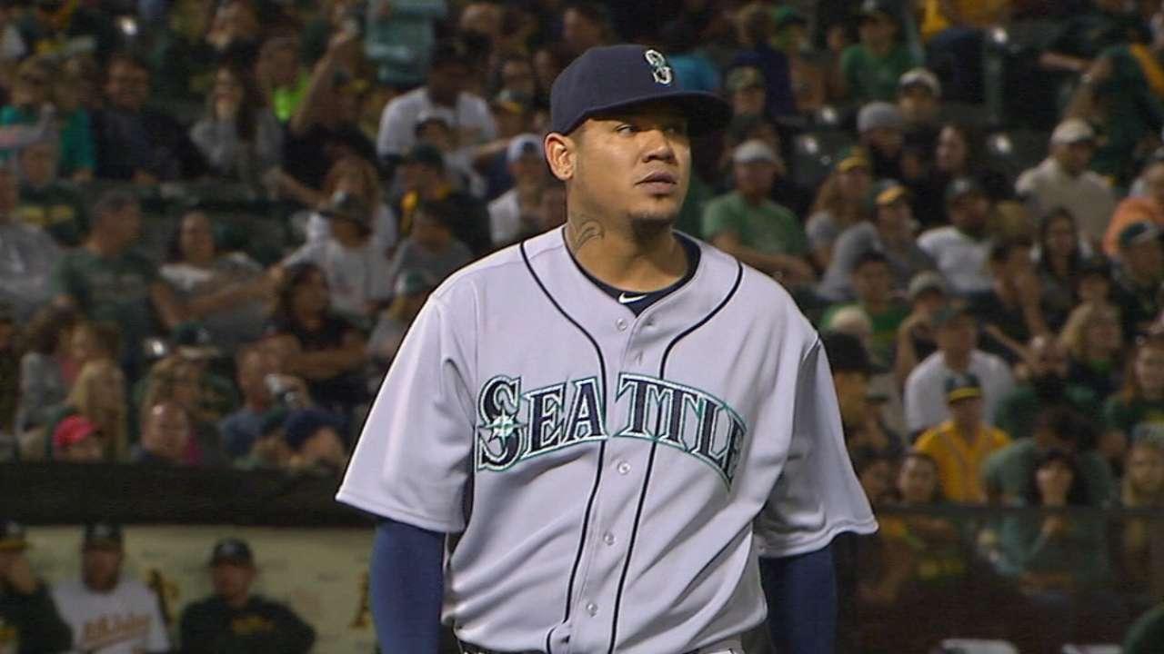 Seattle's 14-hit attack backs Felix in 16th win