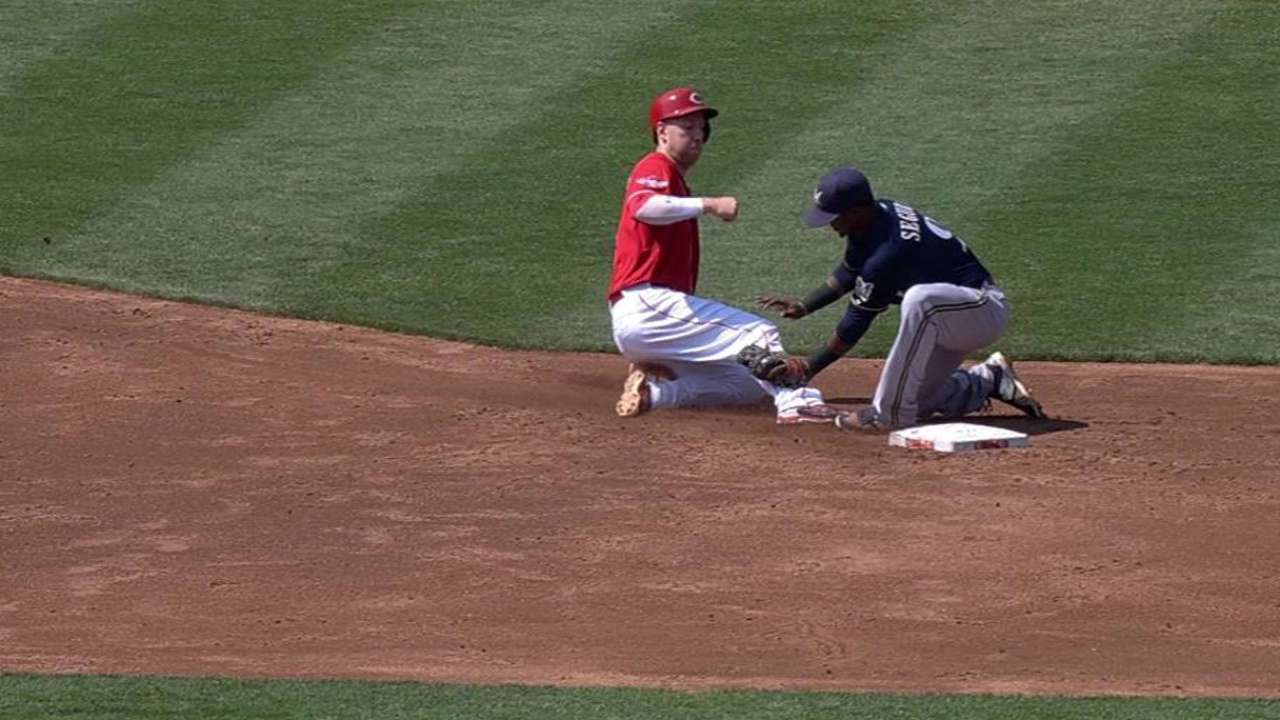 Lucroy gets extra rest due to concussion