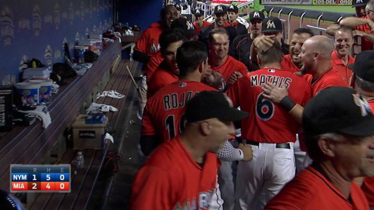 Mathis homers to take lead