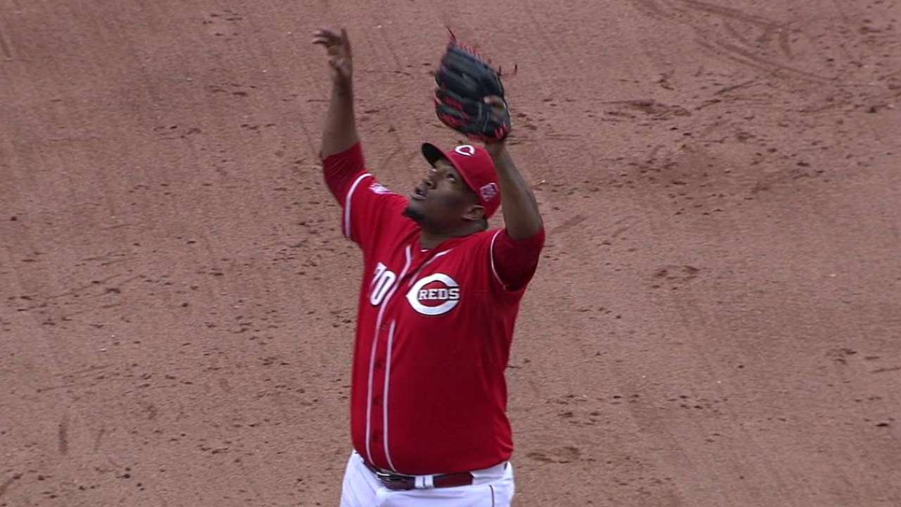Diaz finishes big double play