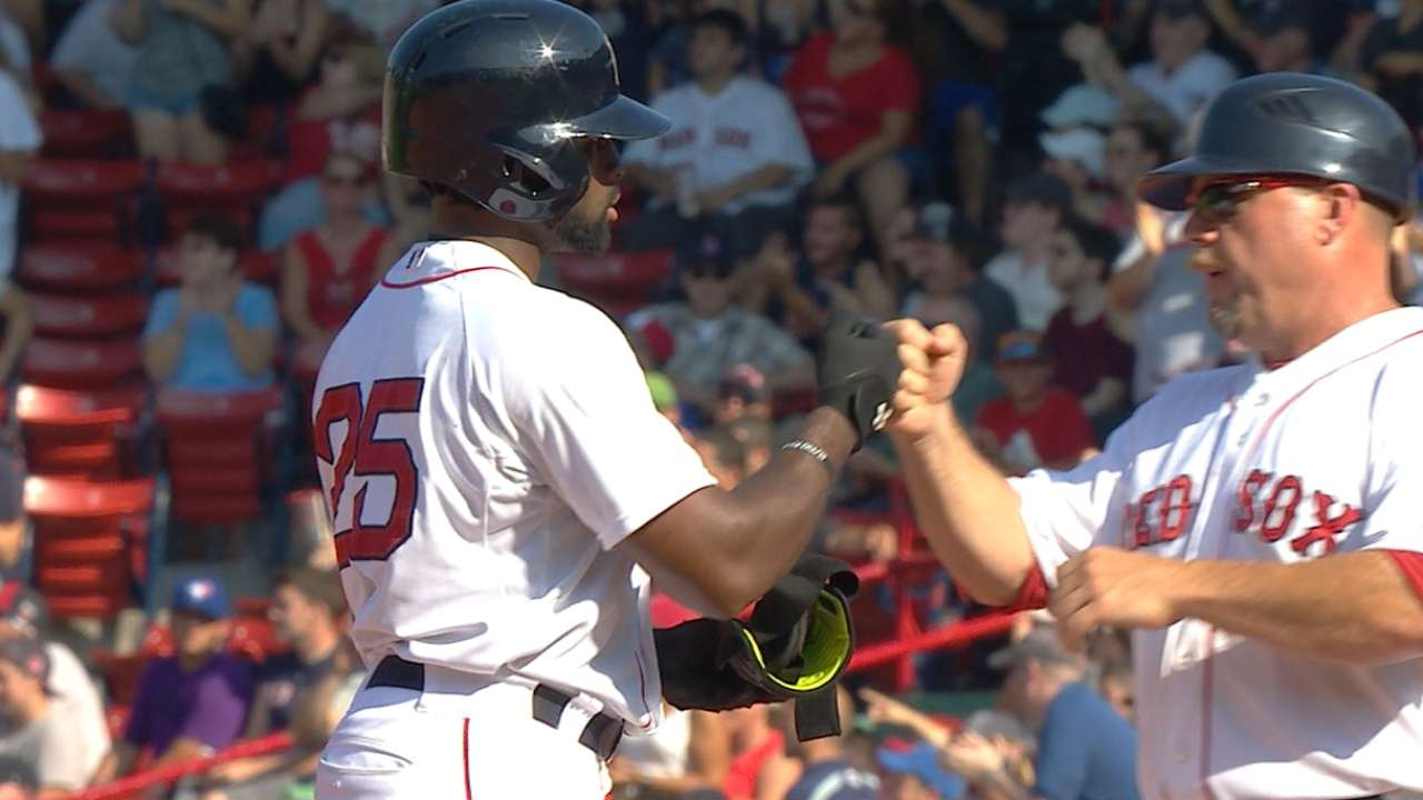 Bradley, Red Sox riding offensive surge