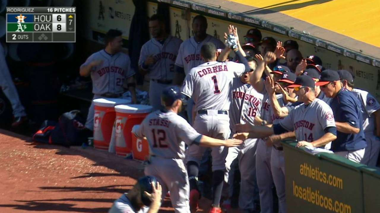 Even in defeat, Astros show offensive resiliency