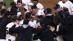 Giants among men: SF walks off to win NL pennant