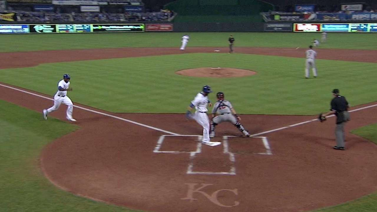 Hosmer proves to be double trouble for Twins