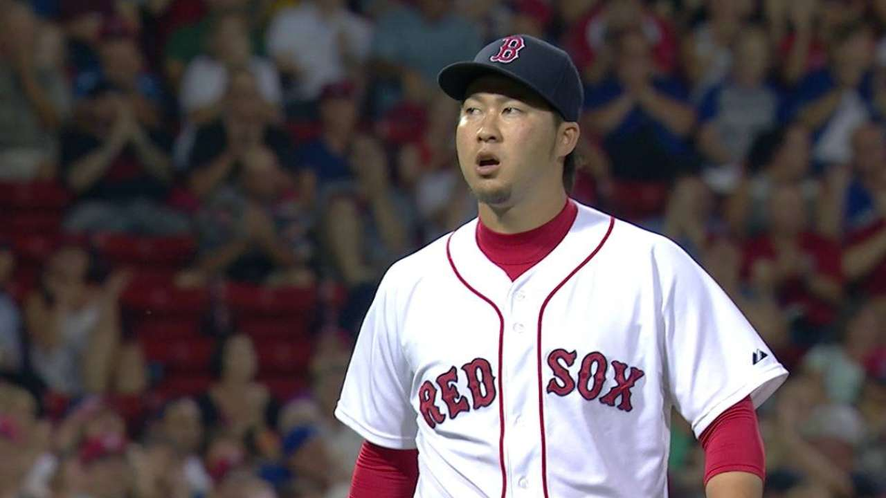 Red Sox, Tazawa come to terms