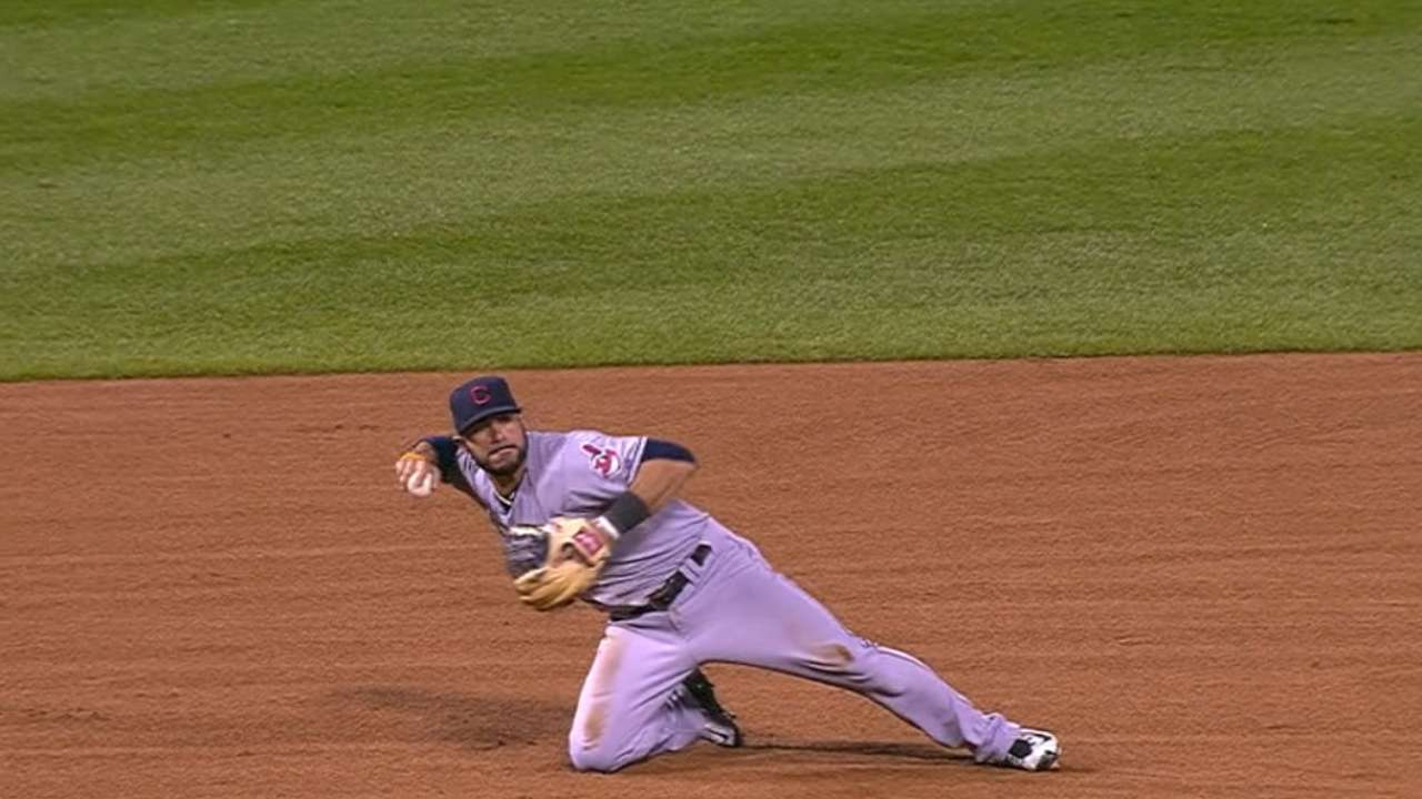 Aviles dives, fires from knee