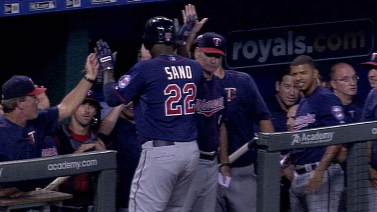 Sano's pinch-hit solo homer