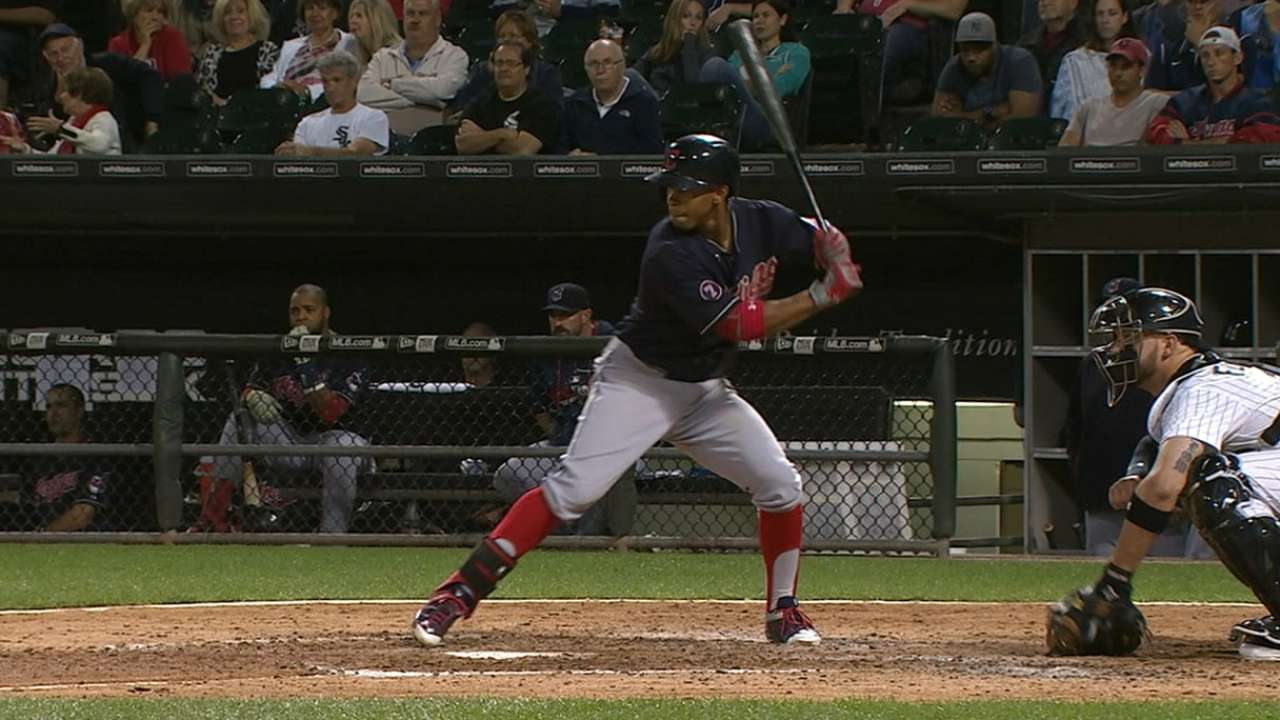 Lindor flirts with cycle, boosts ROY case