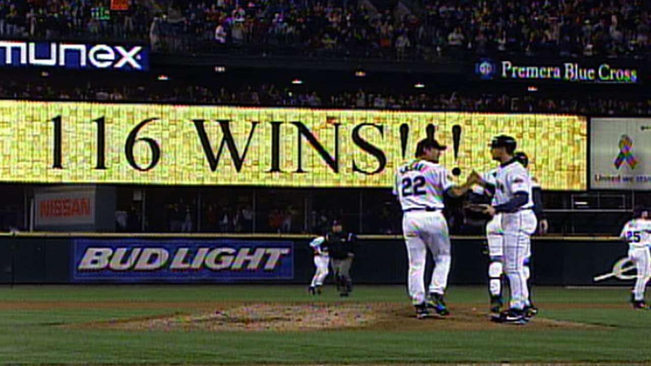 Mariners win 116th game of 2001