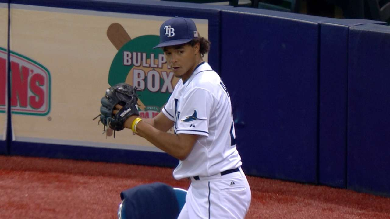 Archer whiffs seven in a row