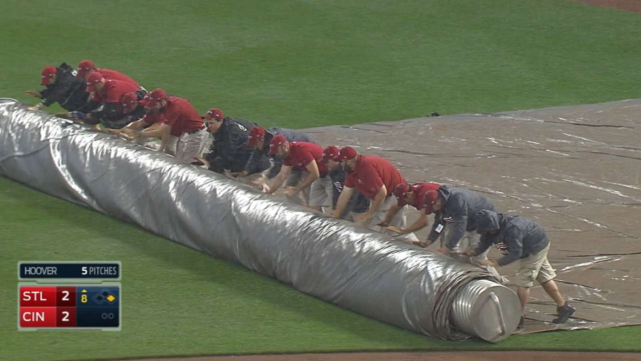 Rain suspends game against Cards in 8th