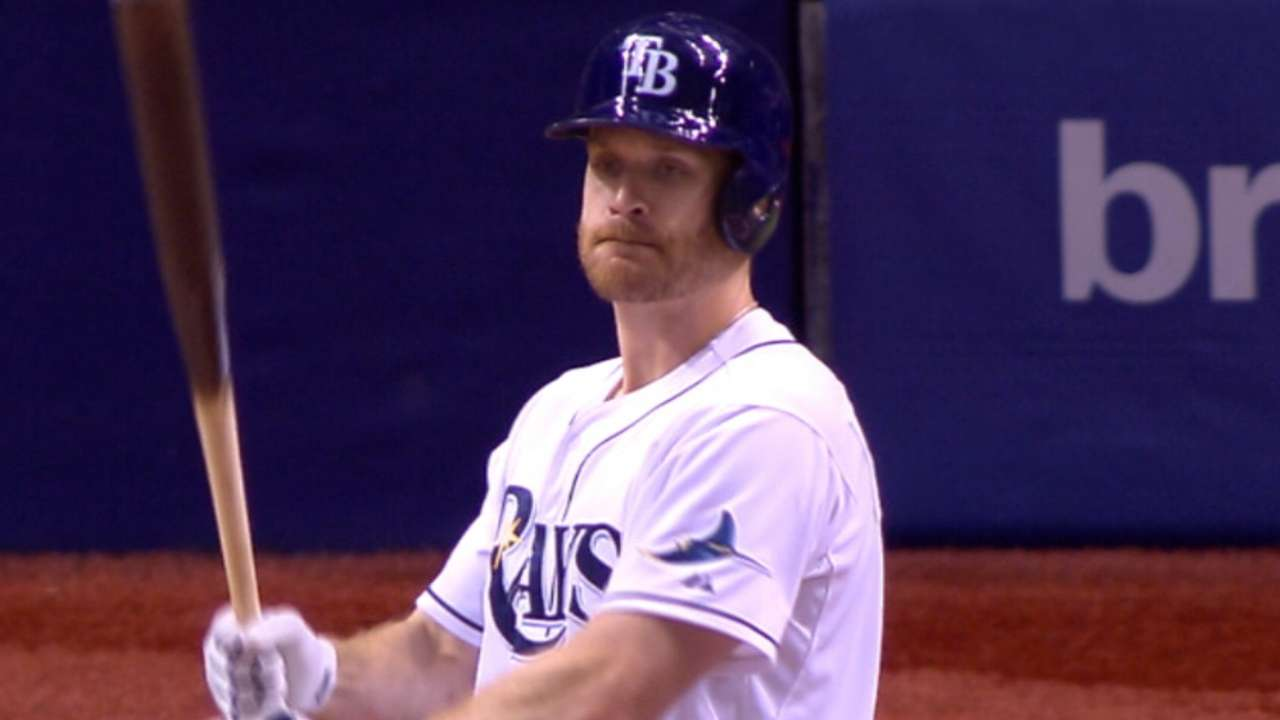 Rays pounce on Red Sox 'pen to keep pace