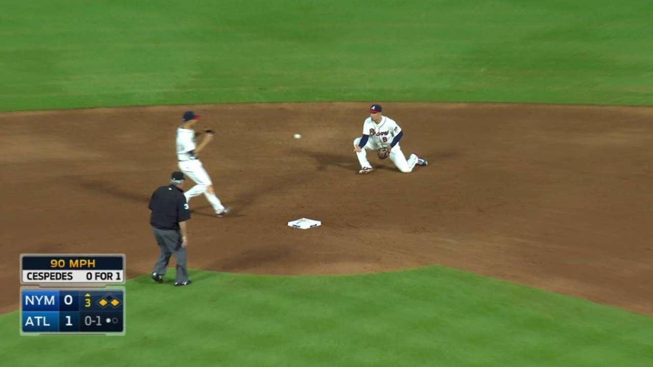Peterson starts inning-ending DP