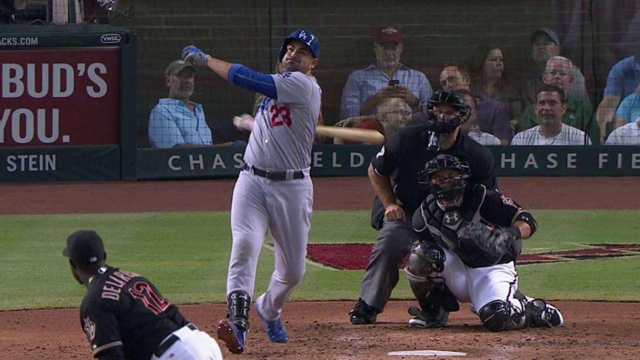 Seager brilla y Dodgers igualan la serie en Arizona