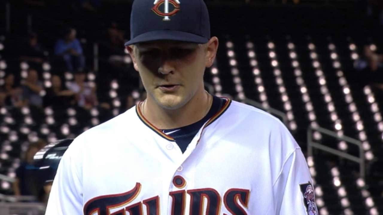 Twins trounce Tigers, stay 1 game back