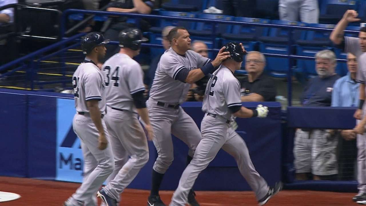 Yanks stun Rays in 9th to close gap in East
