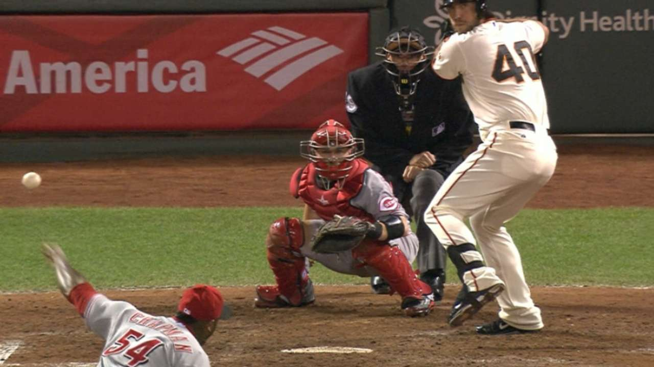 Bumgarner walks against Chapman