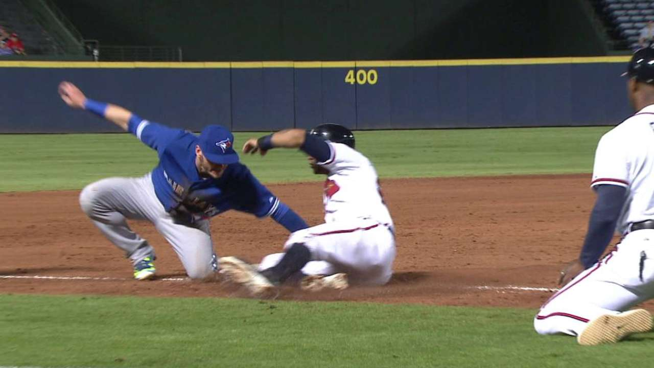Blue Jays turn miscue into odd double play